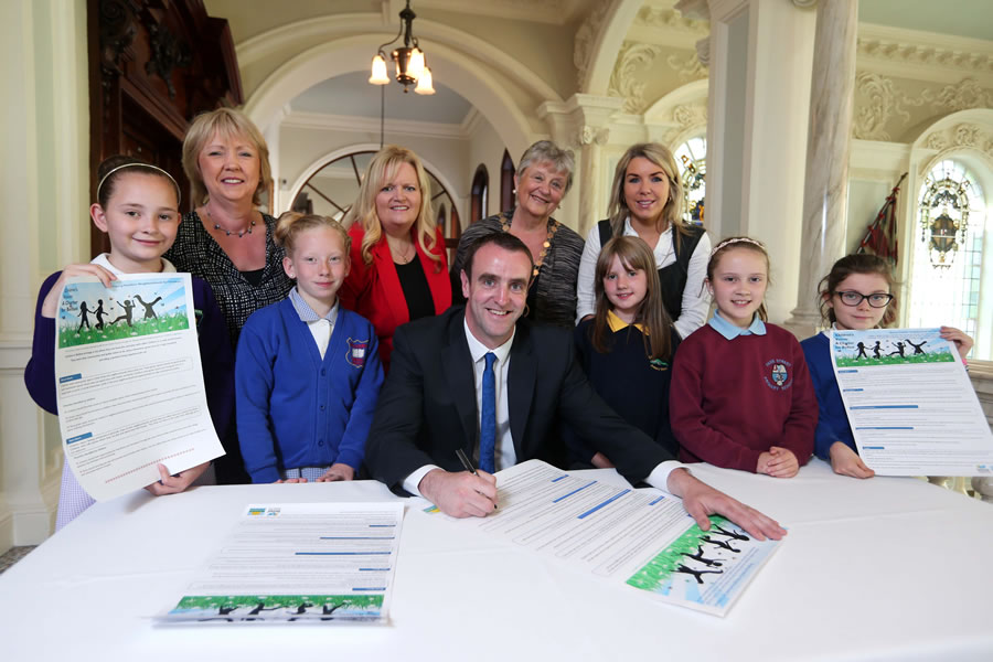 Children present their charter for Belfast to Environment Minister, Mark H Durkan